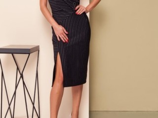 Офисное платье-футляр без рукава